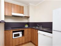 1 Bedroom Apartment - Mantra on Northbourne Canberra
